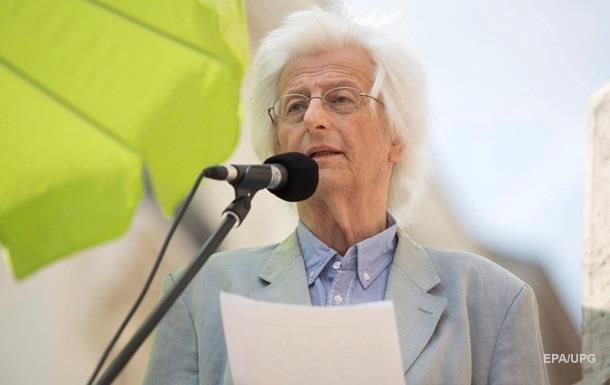 Помер відомий угорський письменник Естерхазі