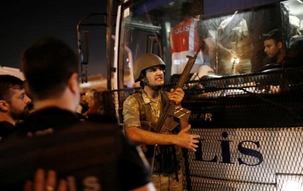 Число задержанных в Турции возросло до 120 человек