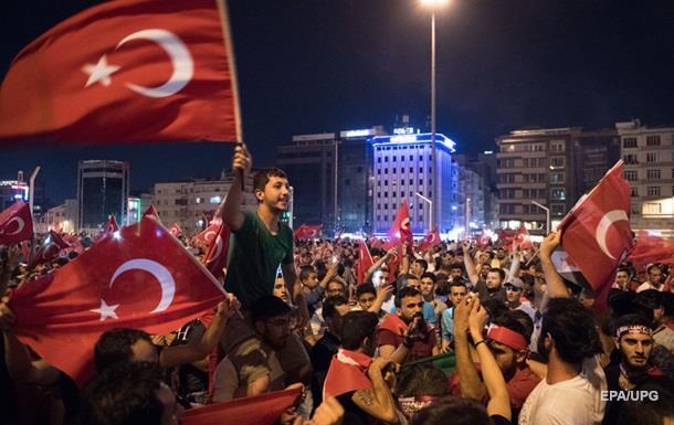 Влада Туреччини відновила контроль у країні - ЗМІ