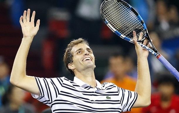 На шведском теннисном турнире доминируют испанцы