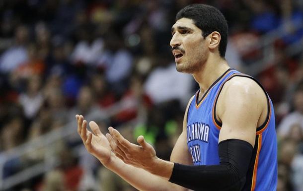 Турки погрожують смертю гравцеві НБА