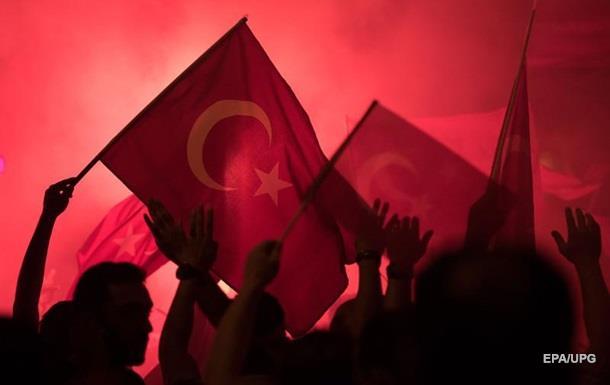 Военный переворот в Турции провалился