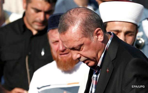 Ердоган розповів, як виводив людей на вулиці