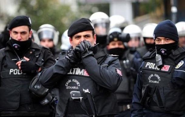 У Туреччині розстріляли пост поліції: є поранені