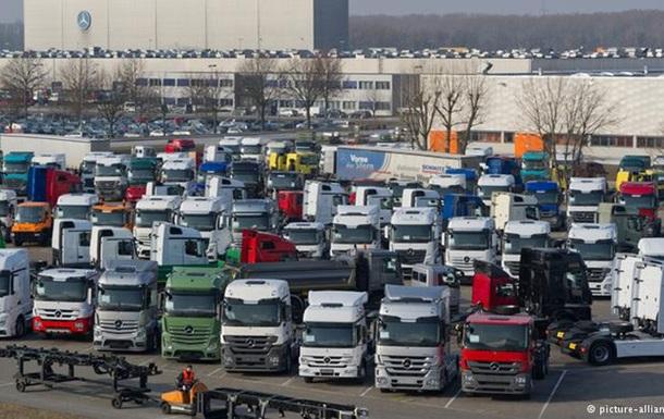 ЕС обложил производителей грузовиков рекордным штрафом