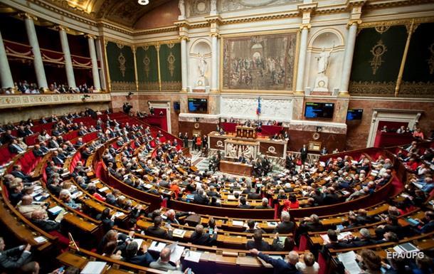 Сенат Франции поддержал продление режима чрезвычайного положения