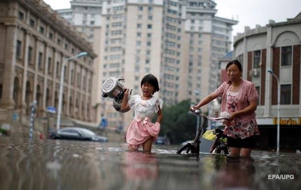 Наводнение в Китае: десятки жертв