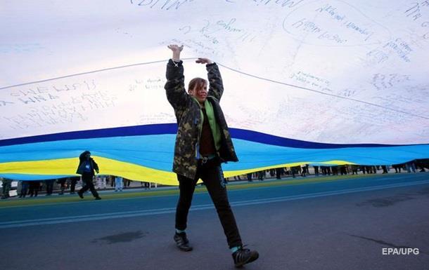 Украинцы назвали приоритетные отрасли экономики – опрос