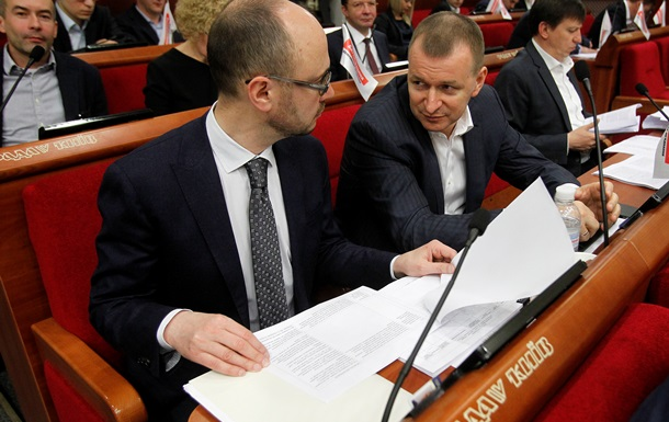 Київська влада пустить мільйони на рекламу податків