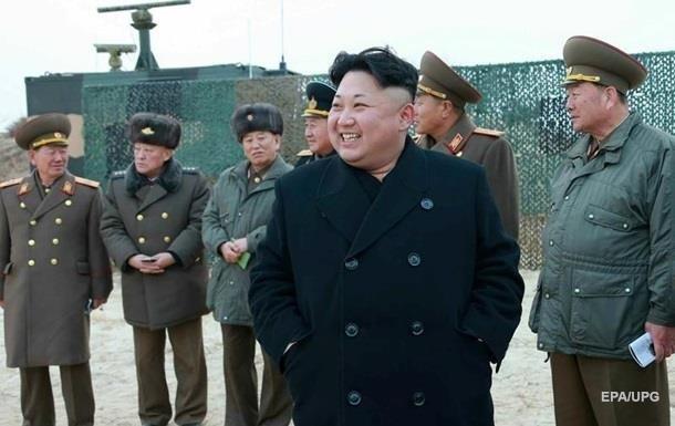 КНДР строит новые доки для подлодок с ракетами - СМИ