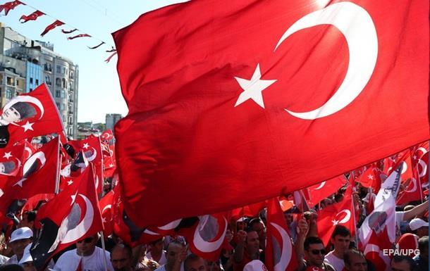 Из-за переворота в тюрьмах Турции 62 ребенка - СМИ