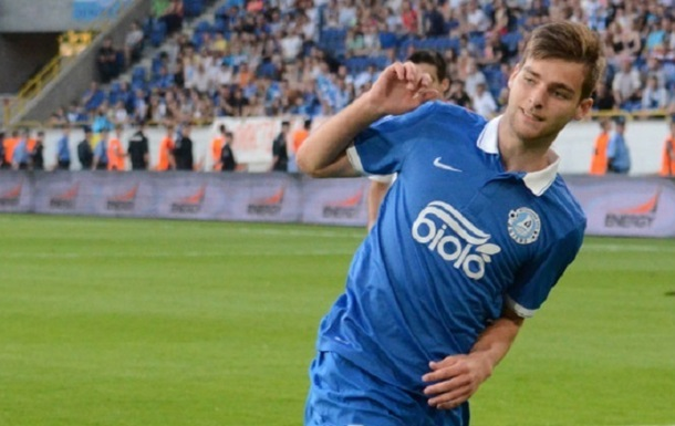 Дніпро розгромлює Волинь у першому матчі сезону