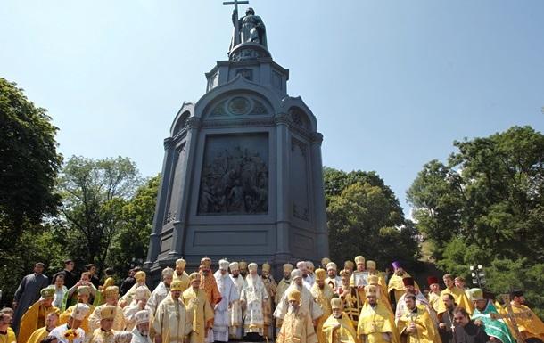 Молебен в Киеве: из-за металлоискателей людей просят прийти раньше