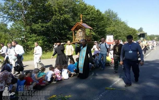 Крестный ход УПЦ пошел в обход Борисполя