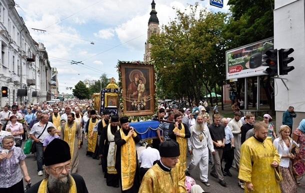 Аваков заблокував прохід Хресної ходи Києвом