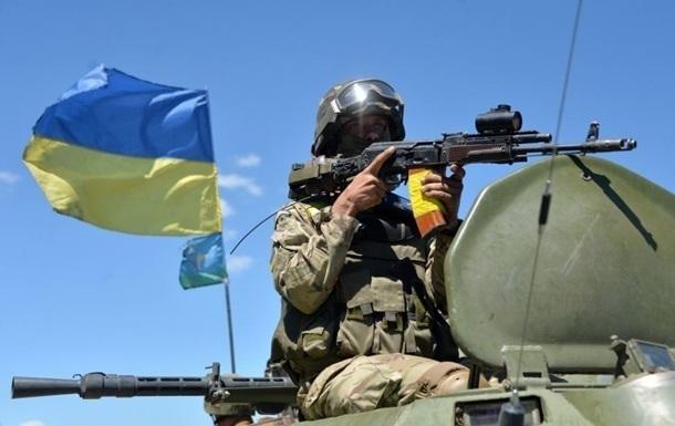 Турчинов: Военным повысят зарплаты из-за инфляции