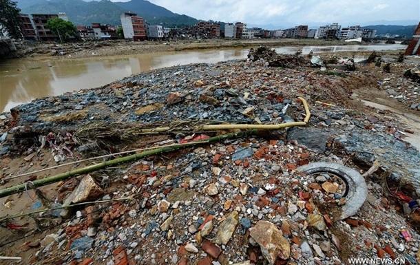 На південний Китай налетів потужний тайфун