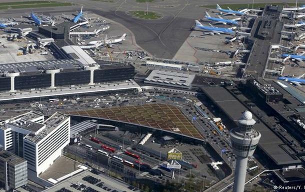 В аэропорту Амстердама усилен контроль из-за угрозы теракта