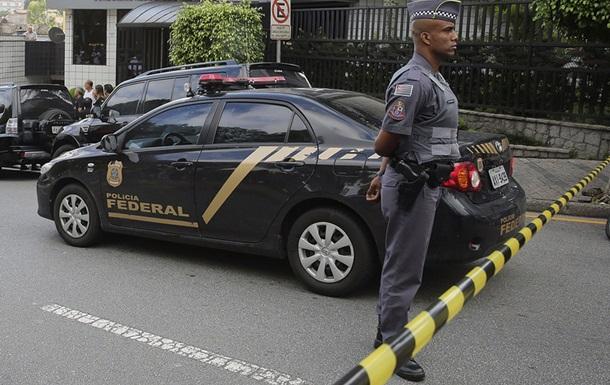 В Сан-Паулу мужчина захватил заложников в кафе
