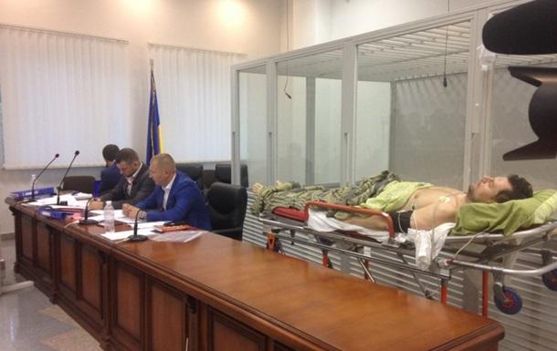 Соратника Онищенко доставили в суд на носилках