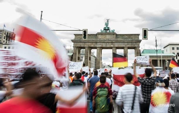 Немцы не связывают теракты с наплывом беженцев - опрос