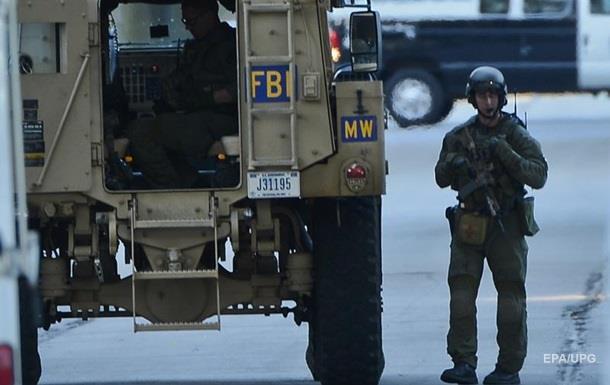 В США по обвинению в терроризме впервые арестован полицейский