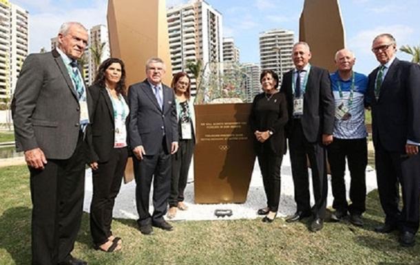 Бубка присутствовал на открытии монумента памяти погибшим спортсменам