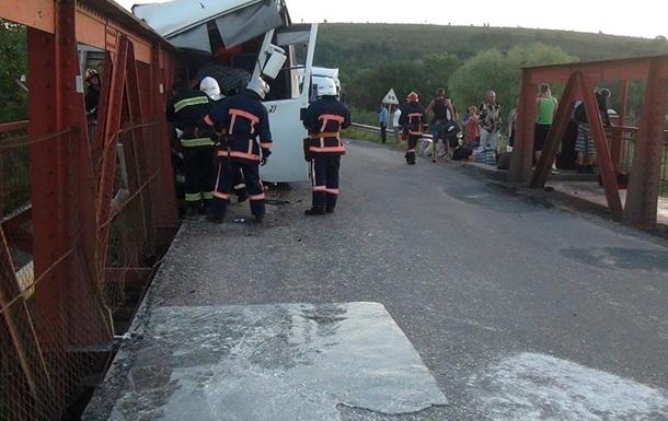 ДТП с автобусом на Прикарпатье: выросло число пострадавших