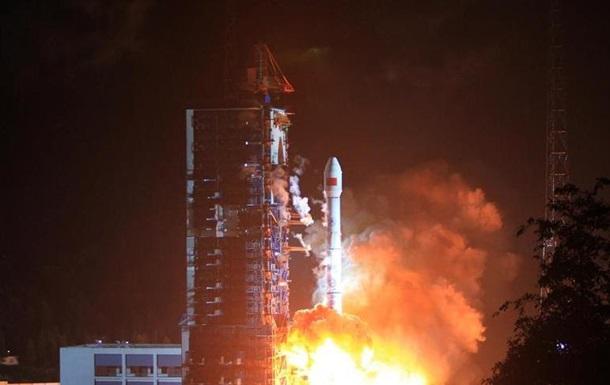 Китай запустил первый спутник мобильной связи