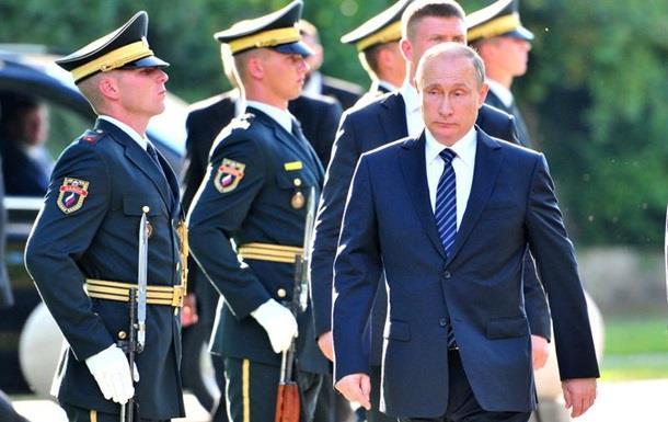 Симпатизирующих Путину россиян стало меньше - опрос