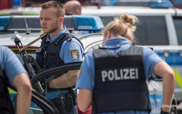 В Германии неизвестный напал на прохожих с ножом