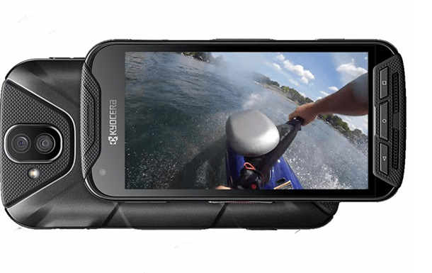 Выпущен первый смартфон с двойной экшн-камерой