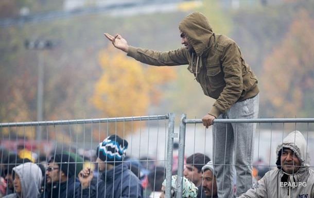 Опрос: Почти половина европейцев  за  закрытие границ для беженцев