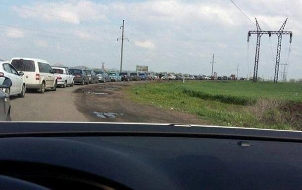 На КПП Донбасса в очереди до тысячи авто