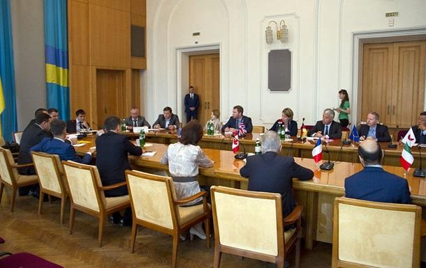 Киев провел встречу с послами G7 из-за Крыма
