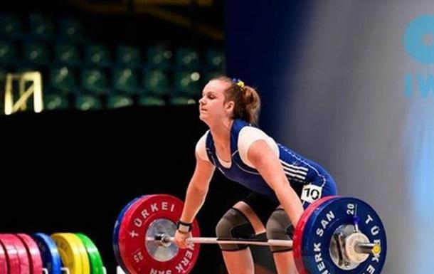 Тяжелая атлетика: Деха заняла 5-е место