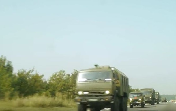 Появилось новое видео перемещения техники РФ в Крыму