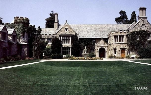 Х ю Хефнер продав свій особняк за $100 мільйонів