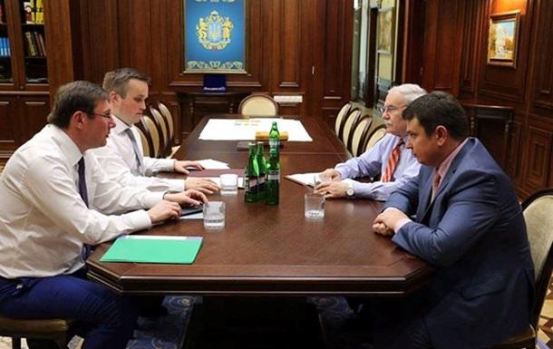 Луценко объяснил президенту инцидент с НАБУ