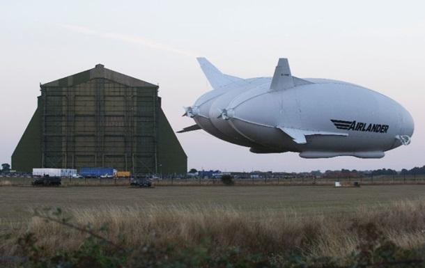Крупнейшее воздушное судно совершило первый полет
