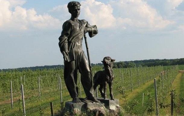 В Черниговской области украли памятник Шевченко