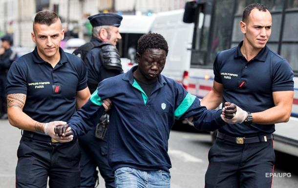 Беженец съел паспорт, чтобы избежать депортации