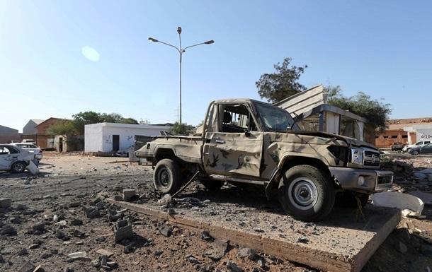 В терактах в Ливии погибли 12 военных