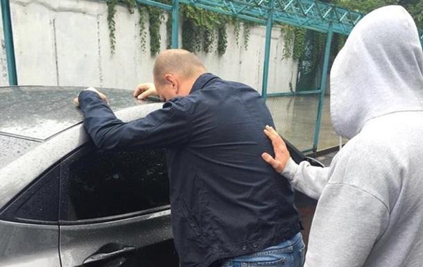 В Киеве на взятке поймали чиновника службы АТО