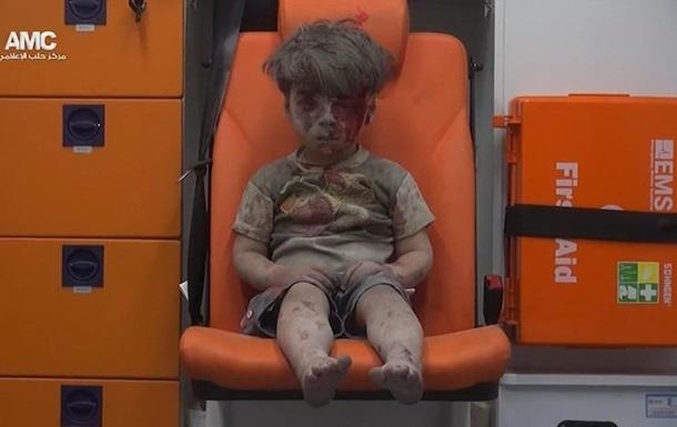 Помер брат названого  символом війни у Сирії  хлопчика