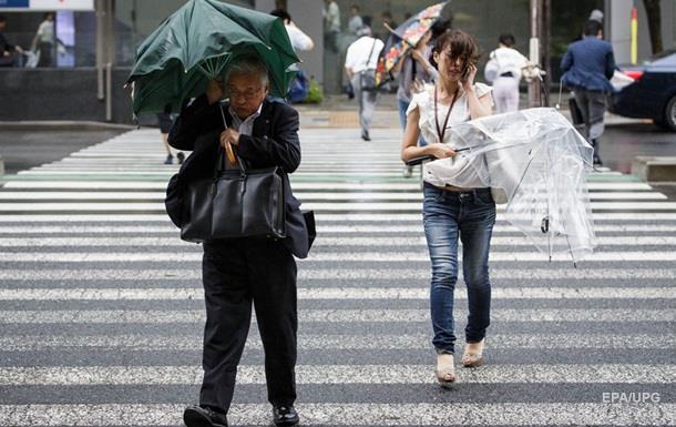 В Японии из-за угрозы оползня эвакуируют тысячи людей