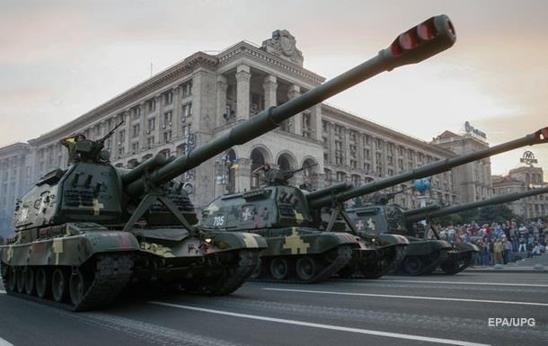 Порошенко: Парад покажет врагу мощь войска