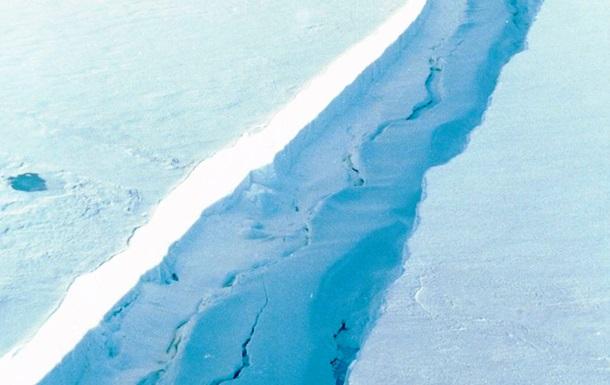 Крупный ледник Антарктиды может треснуть - ученые