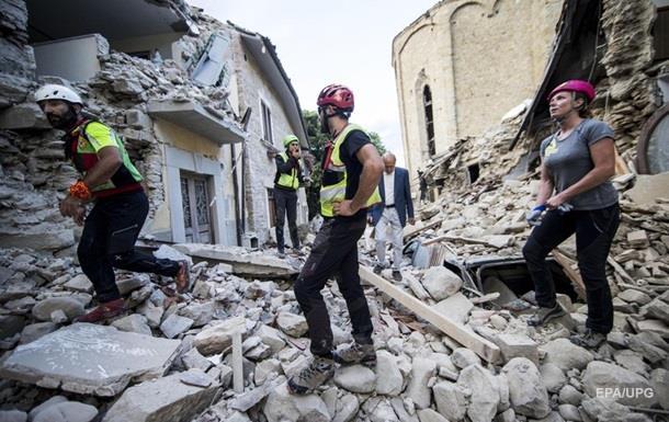 Кількість жертв землетрусу в Італії наблизилася до 250