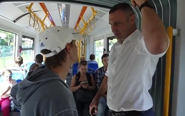 Кличко проехался в новом польском трамвае